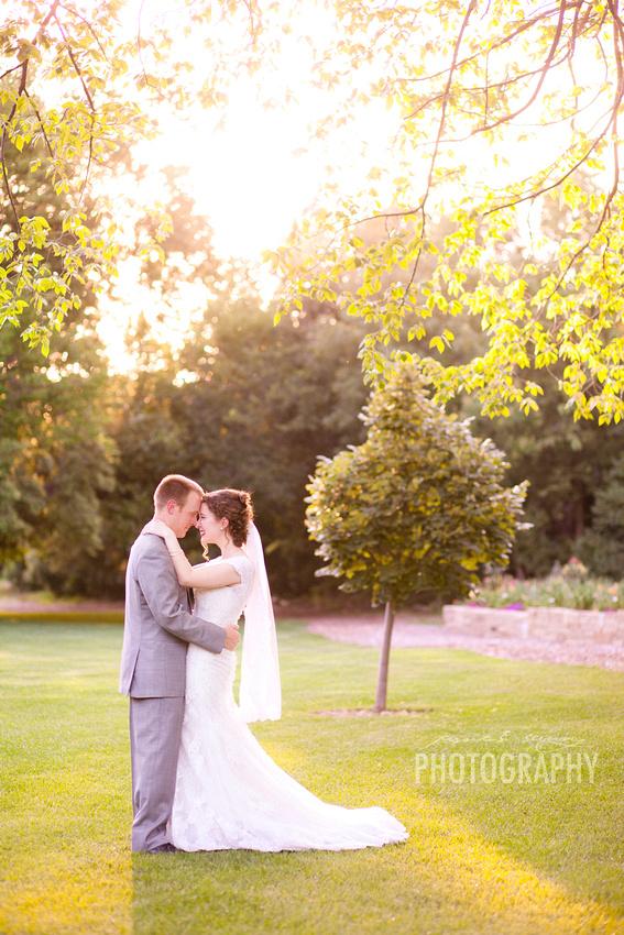 wichita wedding photographers, wichita wedding photographer, kansas wedding photographer, botanica wedding, botanic garden wedding, outdoor wedding, outdoor kansas wedding, summer wedding